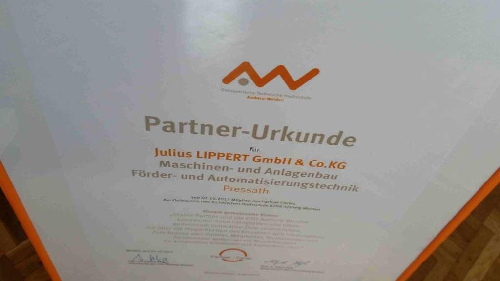 Lippert GmbH & Co. KG im erlesenen Kreis des PartnerCircles der OTH Amberg Weiden!
